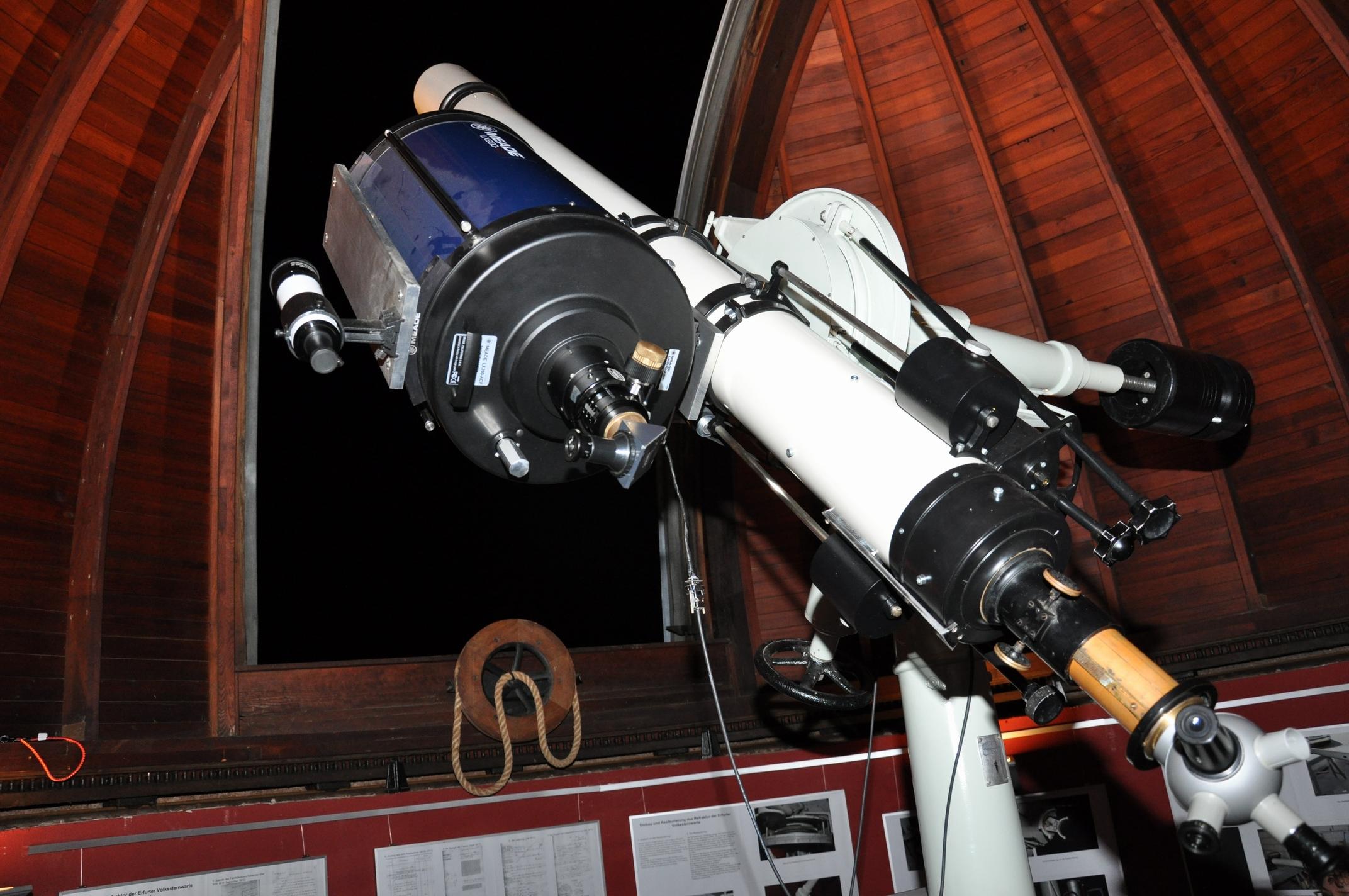 Teleskopaufbau nach der Montage des Spiegelteleskopes